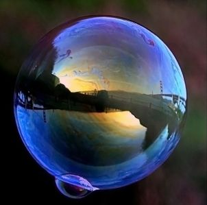 604px-Ggb_in_soap_bubble_1