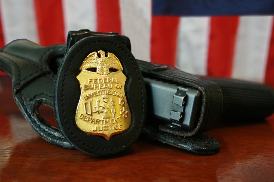 FBI_Badge_&_gun