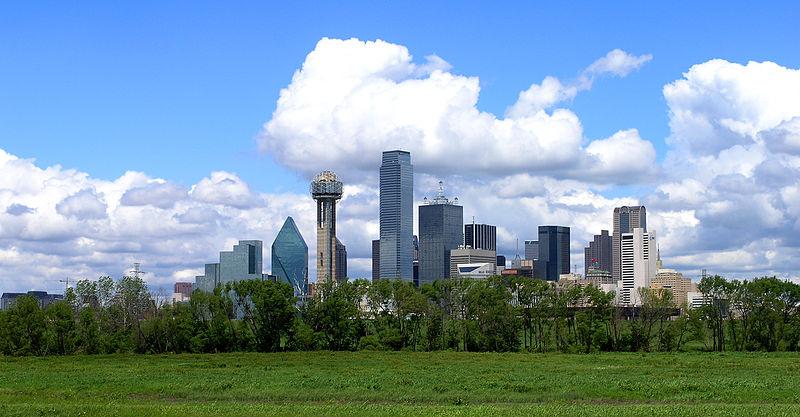 800px-Xvixionx_29_April_2006_Dallas_Skyline